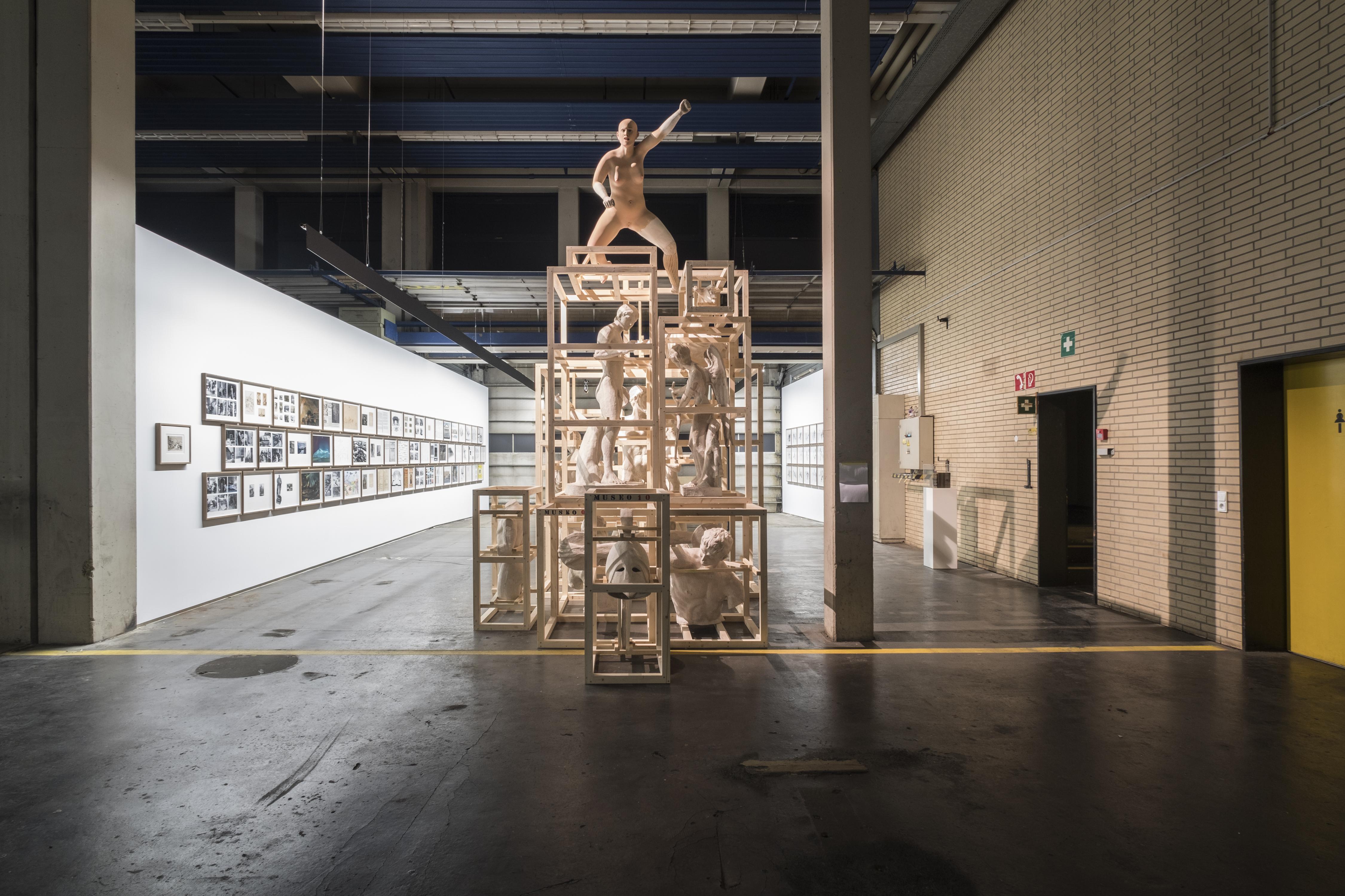Daniel García Andújar (geb. 1966, Almoradi, Spanien) The Disasters of War – Trojan Horse (2017) Installation mit verschiedenen Materialien Maße variabel