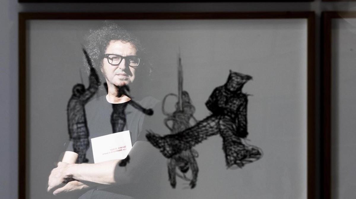 Barcelona 04 06 2018 BARCELONEANDO  El artista Daniel G  Andujar ha inaugurado la expo Los Desastres de la Guerra en la Fundacio Sunol  FOTO de FERRAN NADEU